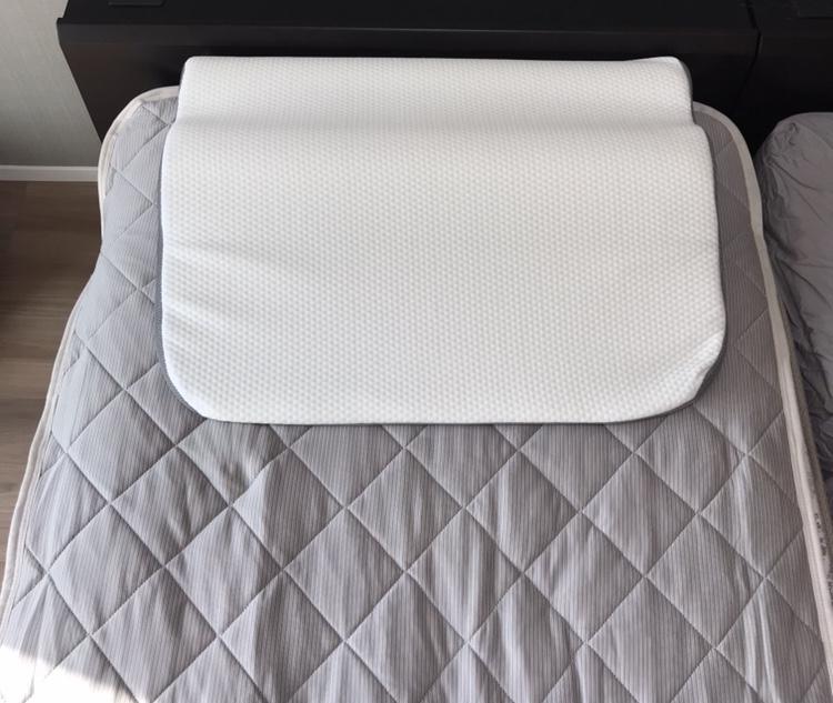 折った状態の枕
